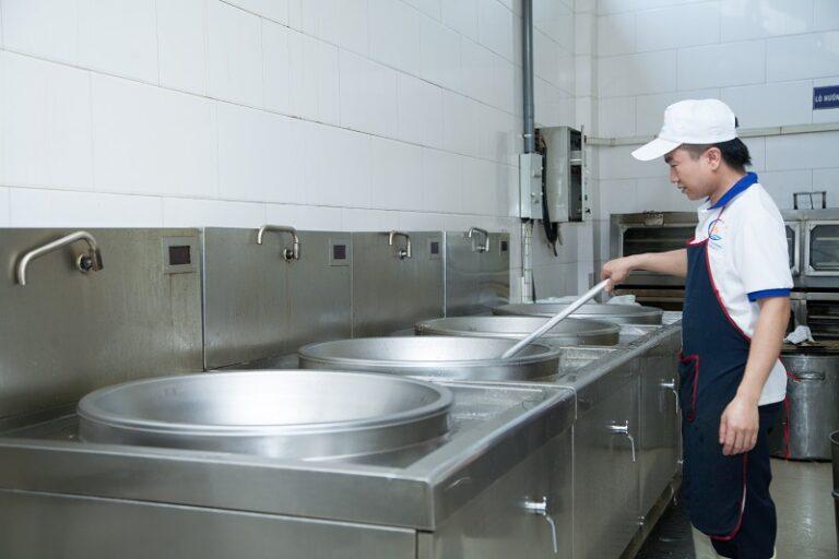 Nhà ăn tại các công ty hoặc khu công nghiệp