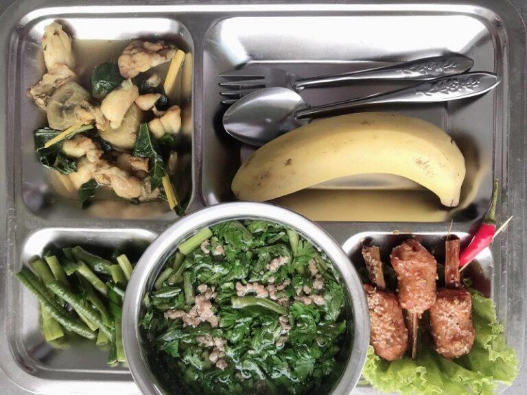 Suất ăn đầy đủ dinh dưỡng cung cấp cho bạn năng lượng làm việc tích cực hơn