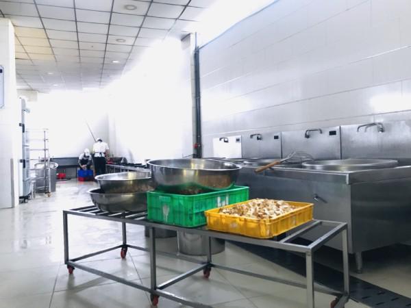 Vệ sinh an toàn thực phẩm trong dịch vụ suất cơm công nghiệp TPHCM