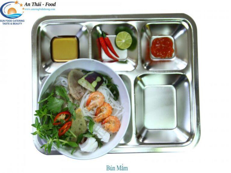 Món Bún Mắm được biên chế trong suất ăn công nghiệp của An Thái